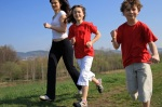 mom_running_with_kids