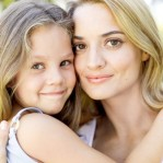 mom_and_daughter